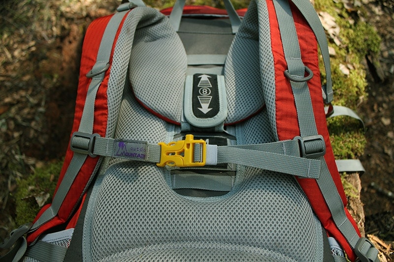 Chest strap on the Mountaintop backpack